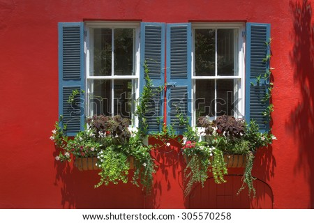 Colorful and vibrant exteriors in Charleston South Carolina