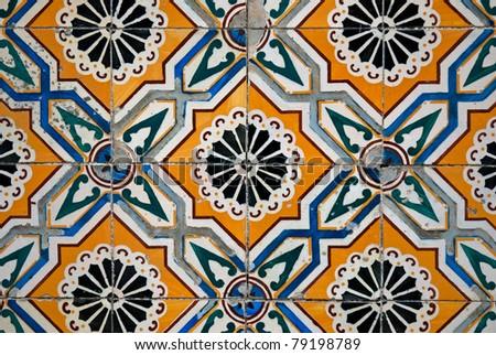 Colorful vintage spanish style ceramic tiles wall for Kacheln mediterran
