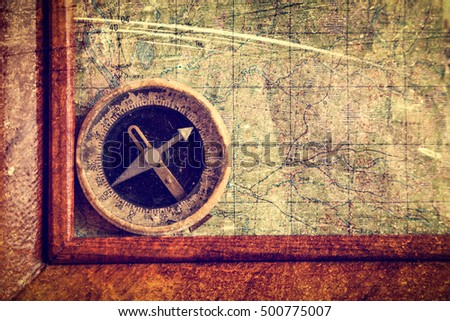 Compass and frame on the map.