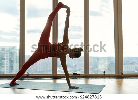 naked splits on wall