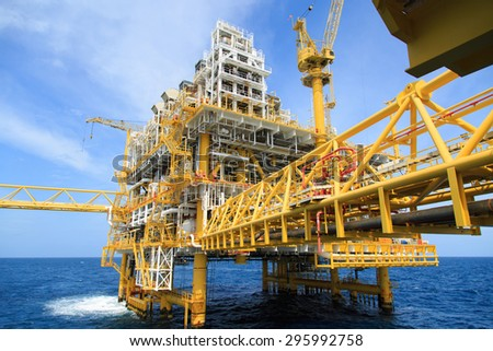 Construction platform for production energy.Oil and gas platform in the gulf or the sea, The world energy, Offshore oil and rig construction. - stock photo