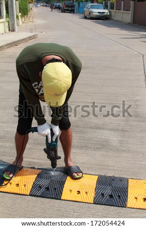 Construction worker working on the road sign, unsafety concept-7