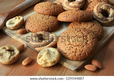 Cookies, figs and nuts