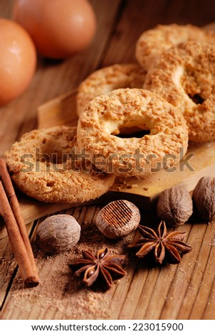 cookies with spices, nutmeg, cinnamon and star anise