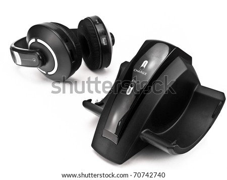 Cordless headphones with wireless