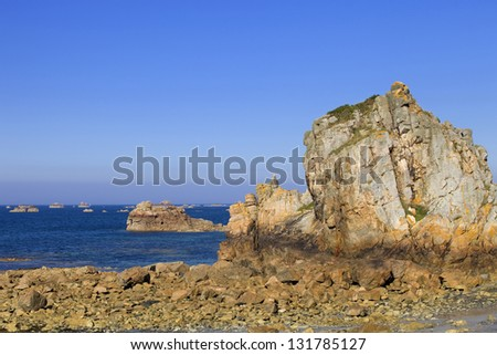 Cote de granite Rose, Brittany Coast near Ploumanach, France