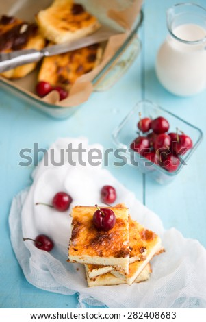 cottage cheese pie with fresh berries
