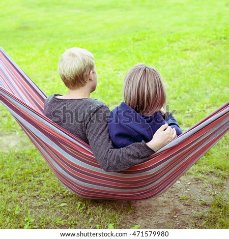 couple in the hammock