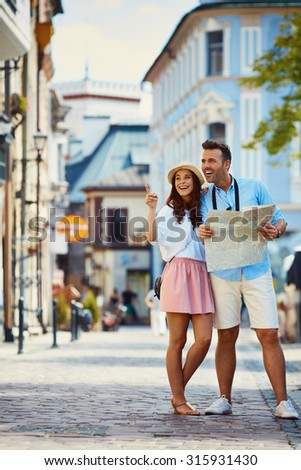 Couple on vacation in the city