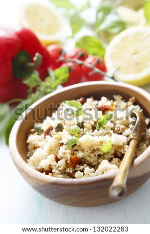 Couscous salad with tomatoes and capers