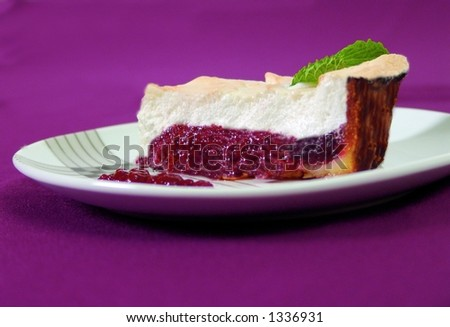 Cranberry pie with egg white merengue