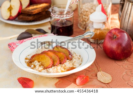 Creamy Vanilla Oat Porridge with Honey Caramel Apples, copy space for your text