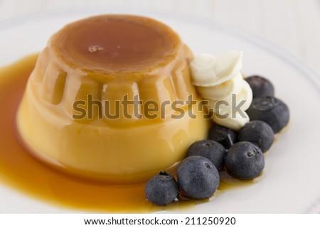 creme-caramel-caramel-custard-custard-pudding-flan-vainilla-with-cream ...