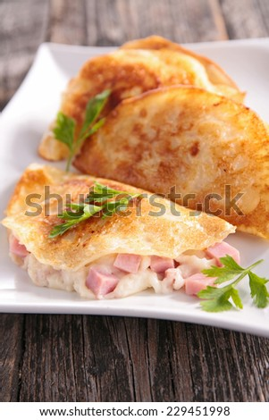 crepe with cheese and bacon