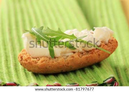 Crispy roll and cheese spread