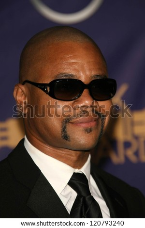 Cuba Gooding Jr at the 2006 TNT Black Movie Awards. Wiltern Theatre, Los Angeles, CA. 10-15-06
