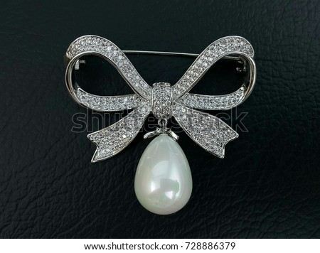 Cubic Zirconia Bow Brooch For Woman Accessory Decorative With Pearl