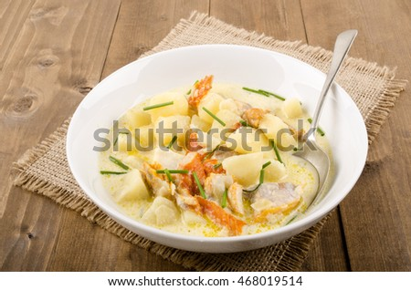 cullen skink, scottish soup made of smoked haddock, potatoes and onions