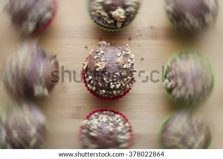 Cupcakes in motion