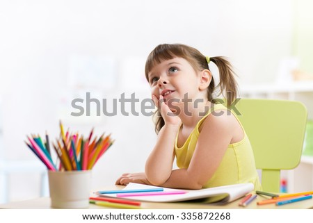 Kids drawing stock photos images pictures shutterstock for Fille a la fenetre