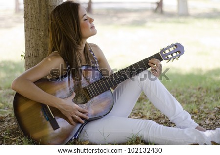 how to play young and beautiful on guitar