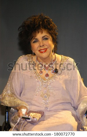Dame Elizabeth Taylor on stage for Macy's Passport Gala 2006 Show and Benefit, Santa Monica Aiport's Barker Hanger, Santa Monica, CA, September 28, 2006 - stock photo