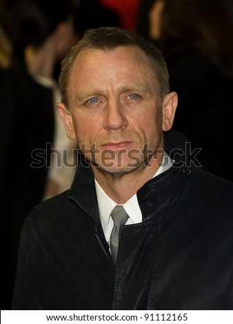 "Daniel Craig arriving for the premiere of ""The Girl with The Dragon Tattoo"" at the Odeon Leicester Square, London. 13/12/2011. Picture by: Simon Burchell / Featureflash - stock photo"