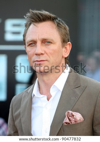 Daniel Craig arriving for the UK premiere of 'Cowboys & Aliens' at the O2, London. 11/08/2011  Picture by: Alexandra Glen / Featureflash - stock photo