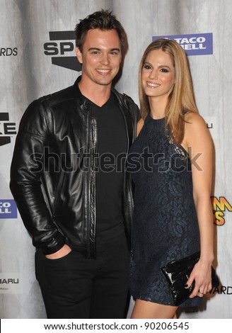 Darin Brooks & Kelly Kruger at the 2011 Spike TV Scream Awards at Universal Studios, Hollywood. October 15, 2011  Los Angeles, CA Picture: Paul Smith / Featureflash