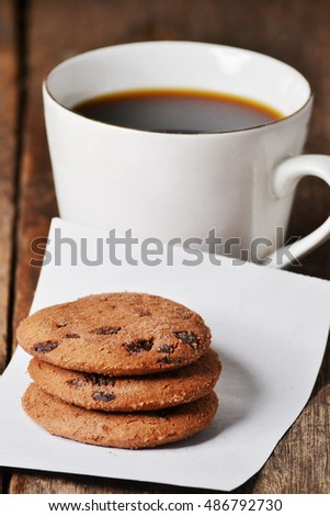 dark coffee, with cookies