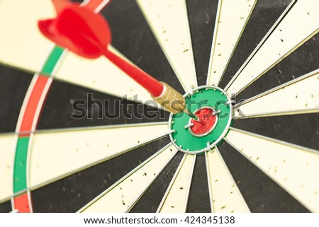 darts close-up target