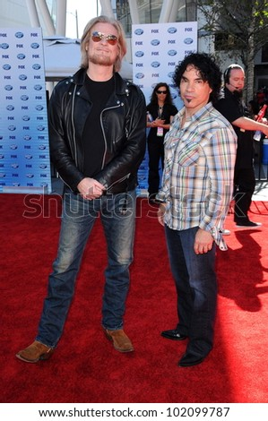 Daryl Hall and John Oates  at the American Idol Grand Finale 2010, Nokia Theater, Los Angeles, CA. 05-26-10