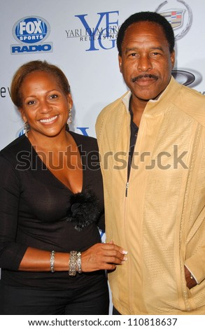 "Dave Winfield and wife Tonya at the Los Angeles Premiere of ""Resurrecting The Champ"". Samuel Goldwyn Theater, Beverly Hills, CA. 08-22-07"