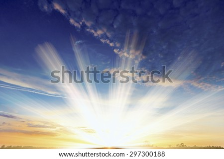 Decline in clouds of the sun with beams background