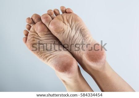 Pretty African american fetish foot