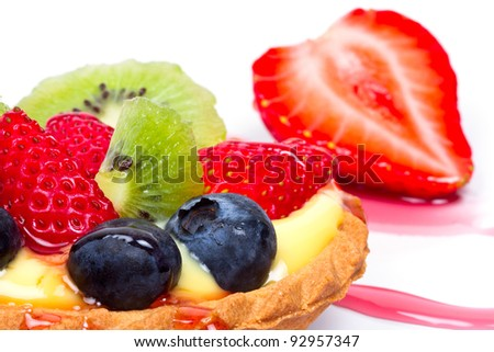Delicious custard tart with blueberries, kiwi and strawberries