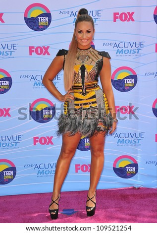 Demi Lovato at the 2012 Teen Choice Awards at the Gibson Amphitheatre, Universal City. July 23, 2012  Los Angeles, CA Picture: Paul Smith / Featureflash