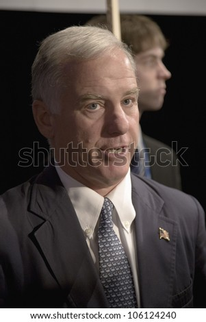 Democratic National Committee (DNC) Chairman Howard Dean at Iowa Democratic Presidential Debate, Des Moines Iowa, Drake University, August 19, 2007