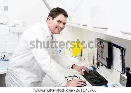 Dental expert talking to his assistant, online