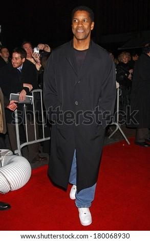 Denzel Washington at DEJA VU Premiere, Ziegfeld Theatre, New York, NY, November 20, 2006 - stock photo