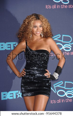 Destiny's Child star BEYONCE KNOWLES at the 2006 BET Awards in Los Angeles.. June 27, 2006  Los Angeles, CA  2006 Paul Smith / Featureflash - stock photo