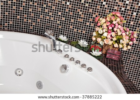 Detail of Bathroom with mosaic and jacuzzi part