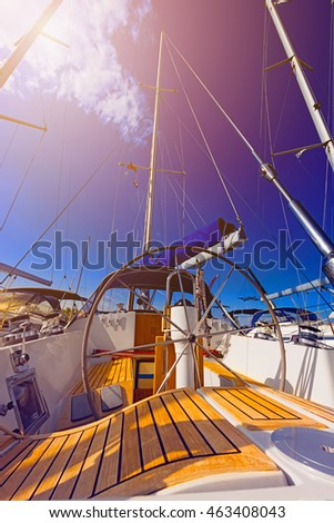 Details sailing, wheel, masts, cables, coils, lighting effects, color tinting