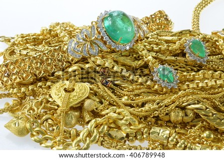 Diamond Gold Jewelry set in the Treasures