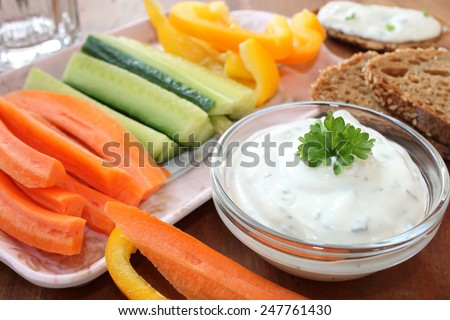 dip with vegetable sticks