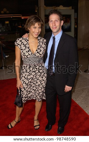 Director TIM BLAKE NELSON & wife Lisa at Los Angeles premiere of his new movie O. 27AUG2001.   Paul Smith/Featureflash