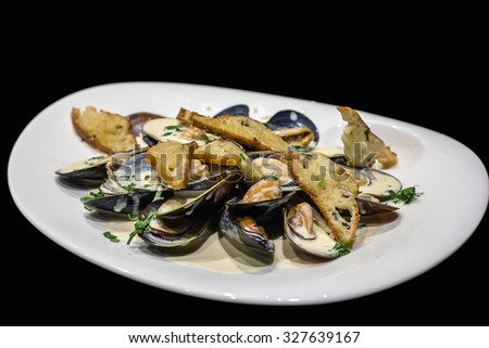 Dish with mussels1