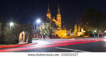dom and traffic lights in fulda germany at night