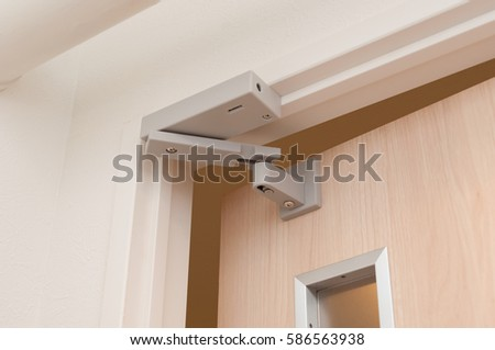 Door Closer Stock Images Royalty Free Images Amp Vectors