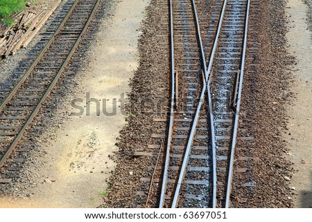 Double crossing track train